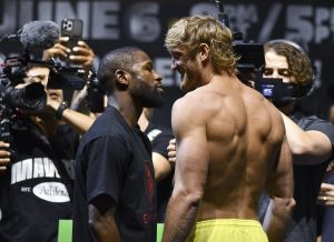 Katika hafla ya kupima uzito ambayo ilifanyika Miami, Floyd Mayweather aliingia kwa kilo 70.3, na YouTuber Logan Paul